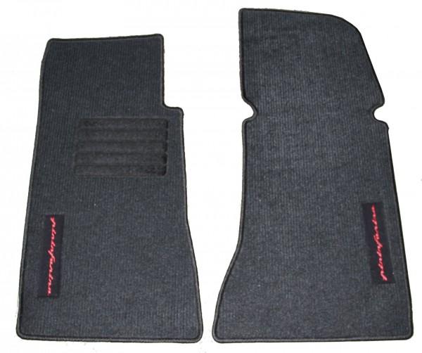 Fußmatten 2-tlg mit rotem PININFARINA-Schriftzug Fiat 124 Spider